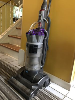 Dyson vacuum for Sale in Brunswick, OH