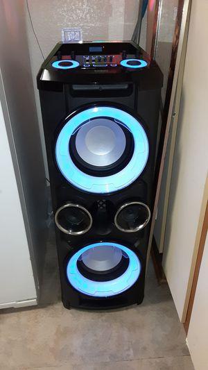 Bluetooth speaker for Sale in Highland, CA