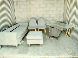 Couch and table for Sale in Miami, FL