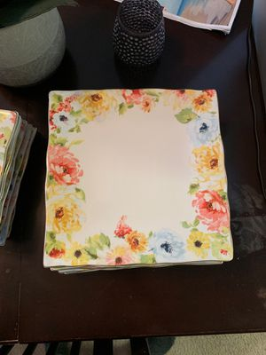 Set of 8 dinner plates and 8 Salad/Appetizer plates for Sale in Alexandria, VA