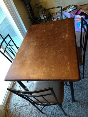 Dining table with 4 chairs for Sale in Bellevue, WA