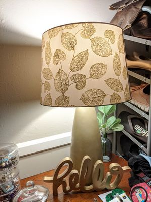 Gold tone Table lamp for Sale in El Cajon, CA