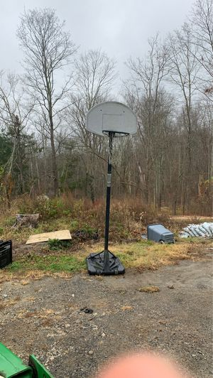Basketball hoop for Sale in Brookfield, CT