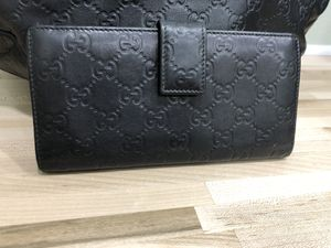 Gucci wallet for Sale in Palm Harbor, FL