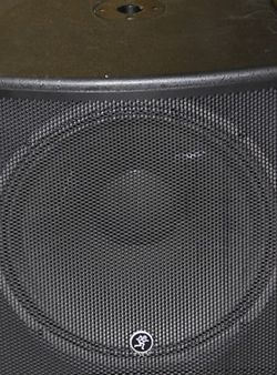 "Makie 18 "" Subwoofer Passive. for Sale in Pasadena,  TX"