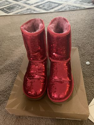 UGG classic short sparkle for Sale in Haverhill, MA