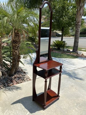 Beautiful tall hallway table with mirror great condition for Sale in Wildomar, CA