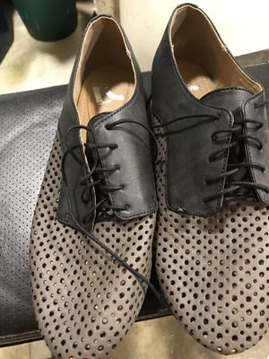 Report women's 9.5 dress shoe for Sale in Bloomington, IL