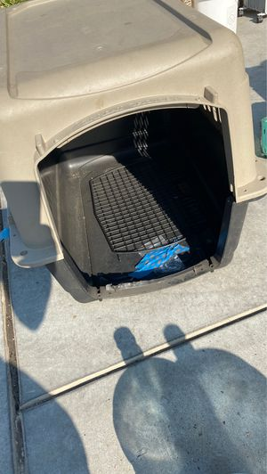 """Large. Dog Kennel, 36"""" L X 25"""" W X 27"""" H for Sale in Fresno, CA"""
