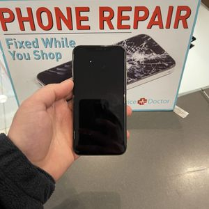 I phone XS software unlocked 64GB for Sale in Waterbury, CT