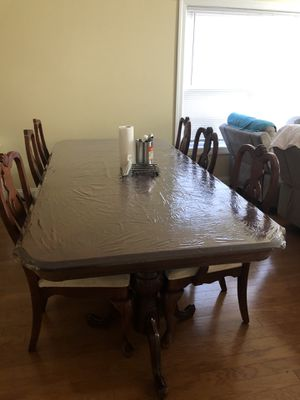 Dining table with 6 chairs for Sale in Columbia, SC