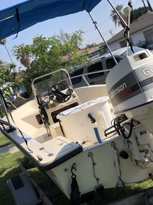 Center console for Sale in Riverside, CA