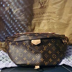 Louis Vuitton Bumbag for Sale in Lake Elsinore, CA