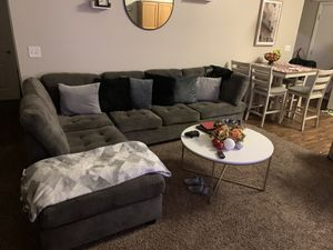 Grey L Sectional couch for Sale in Visalia, CA