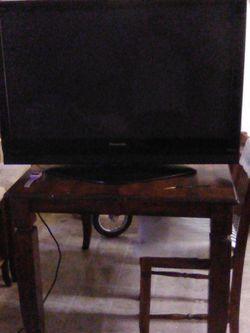 Panasonic High Definition Plasma TV 42 inch for Sale in Seattle,  WA