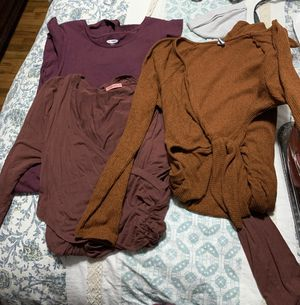 Free maternity clothes for Sale in Menlo Park, CA