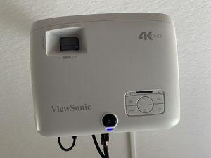 4K UHD Projector for Sale in St. Cloud, FL