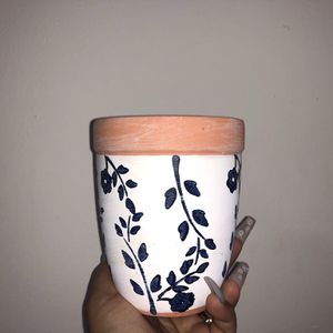 Terra Cotta Floral Pot With Drainage for Sale in Hialeah, FL