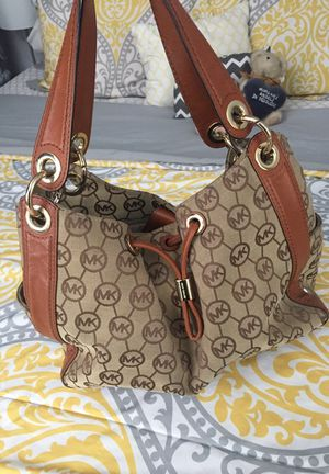 Original Michael Kors bag in great condition for Sale in Hialeah, FL