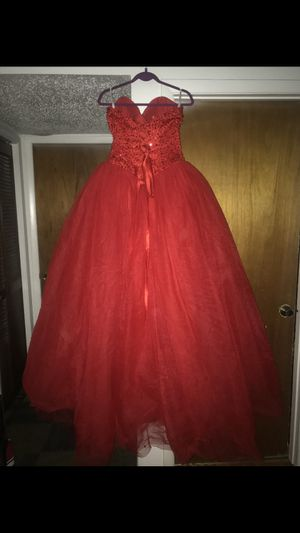 Quinceanera / sweet 16 dress for Sale in Kissimmee, FL