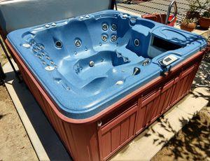 Sundance Spas 850 Series Cameo hot tub for Sale in Oceanside, CA