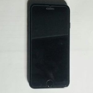 Unlocked iPhone 8. 64 GB. In Great Condition. for Sale in Miami, FL