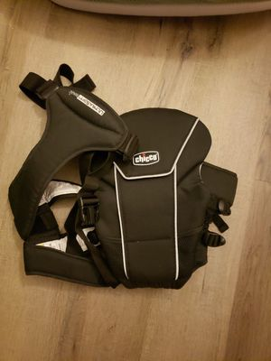 Chico's baby carrier for Sale in West Park, FL