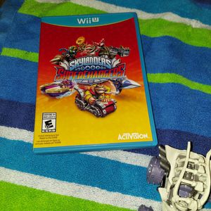 Wii U skylanders Bundle 20+ Extras for Sale in Haltom City, TX