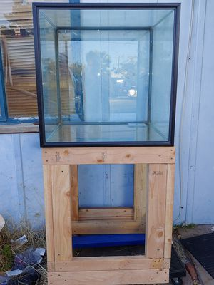 60 Gallon tank with stand. for Sale in Henderson, NV