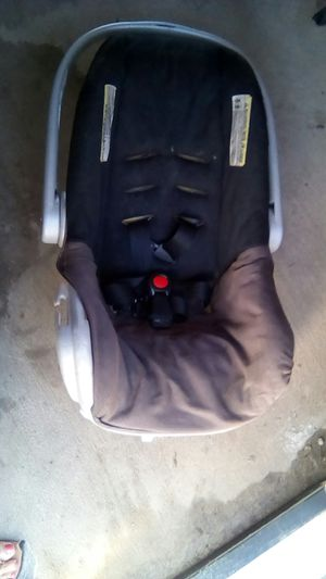 Car seat for Sale in Compton, CA