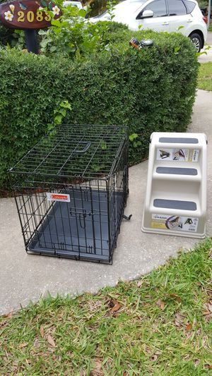 Metal Dog Crate and Plastic Dog steps for Sale in Clearwater, FL