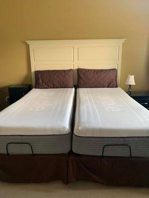 LIKE NEW Split king purple hybrid 2 mattress for Sale in The Colony, TX