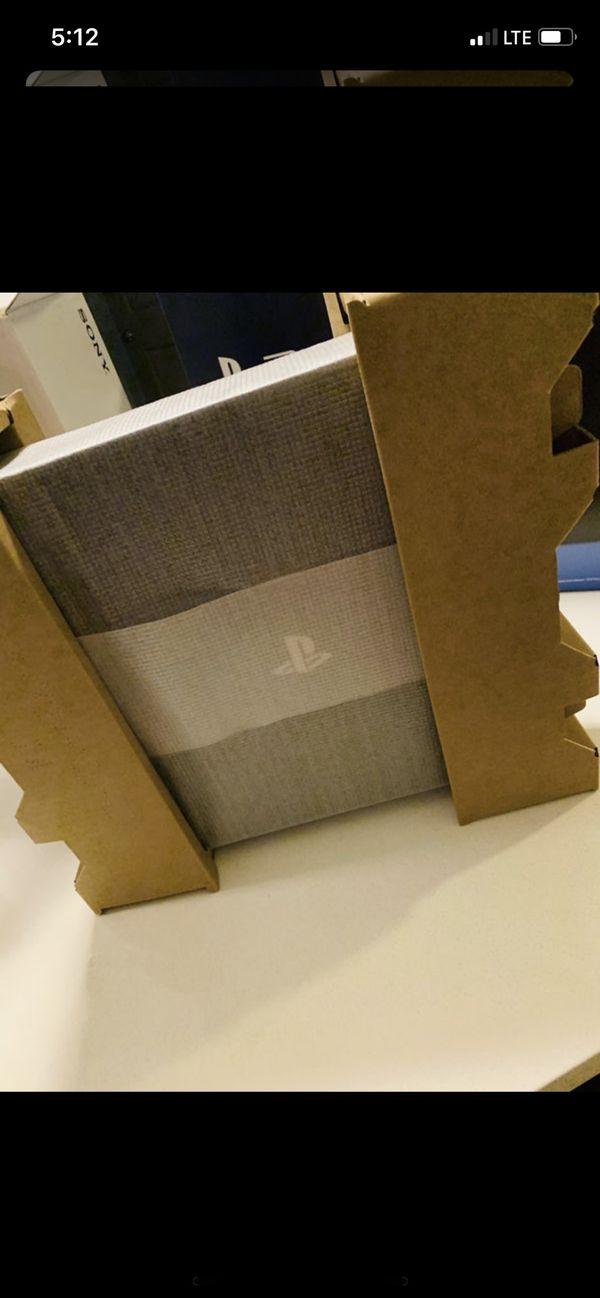 PS4 pro 1 tb 2 games