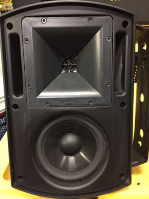 Klipsch aw525 indoor outdoor speakers. Audiophile for outside! for Sale in Carlsbad, CA