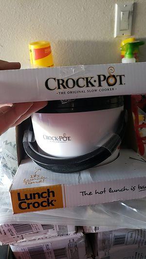 Mini crock pot for Sale in Adelanto, CA