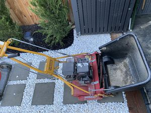 McLane front throw lawn mower for Sale in Bakersfield, CA