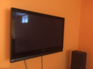 "40"" Panasonic plasma TV with wall mount. $100 for Sale in Bristow, VA"