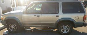 01 XLT Gold Ford explorer for Sale in Philadelphia, PA