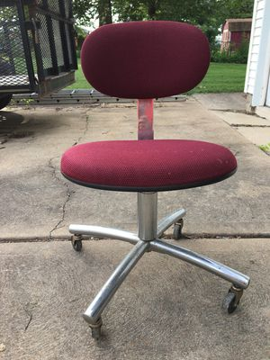 Rolling office chair for Sale in St. Louis, MO