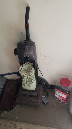 Hoover upright vacuum for Sale in Whitmore Lake, MI