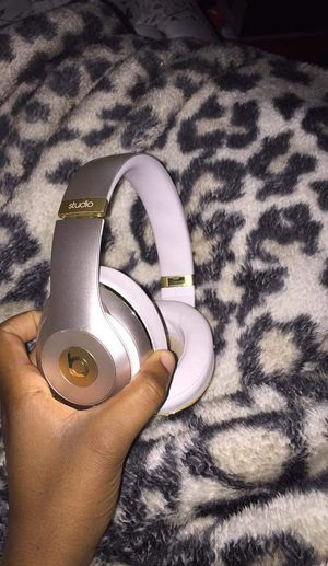 Beats wireless headphones for Sale in Baxley, GA