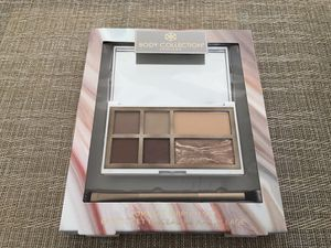 Body Collection England Compact & Brush Set for Sale in Schaumburg, IL
