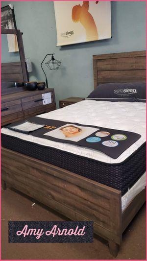 Four Piece King Bedroom Set for Sale in Glendale, AZ