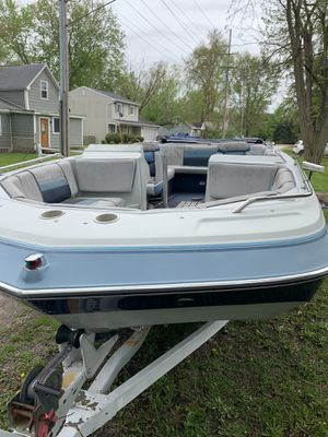 1988 four Winns candia deck boat for Sale in Whitmore Lake, MI