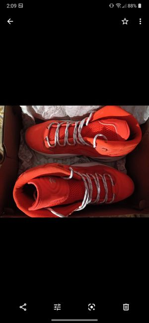 Reebok Question Orange size 12 for Sale in Cleveland, OH