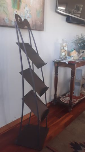 Magazine rack for Sale in Brush Prairie, WA
