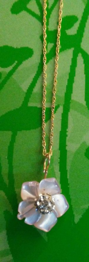 So Cute - 14k Solid Yellow Gold Genuine MOP Necklace! for Sale in Vancouver, WA