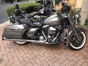 Harley Davidson Road King for Sale in LAUD BY SEA, FL