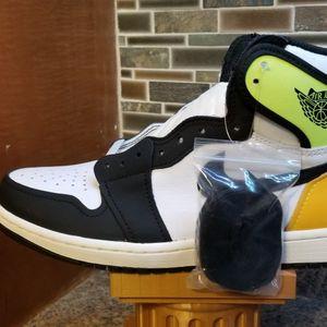 "Size 8.5 - $220 - Jordan 1 ""Volt"" for Sale in Washington Township, NJ"
