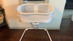 Halo bassinet for Sale in Valrico, FL